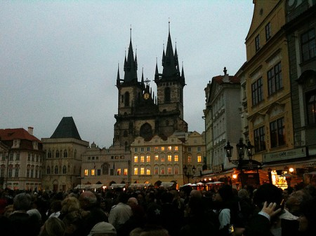 Centro de Praga ao anoitecer